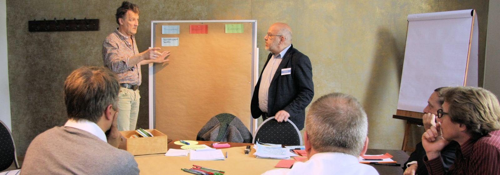 In Kleingruppen diskutierten die Teilnehmerinnen und Teilnehmer die aktuellen Herausforderungen im Bereich