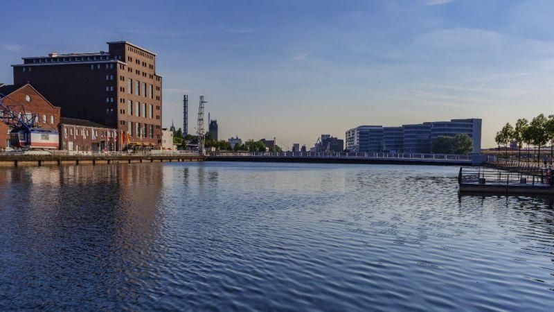 Panorama des Duisburger Binnenhafens
