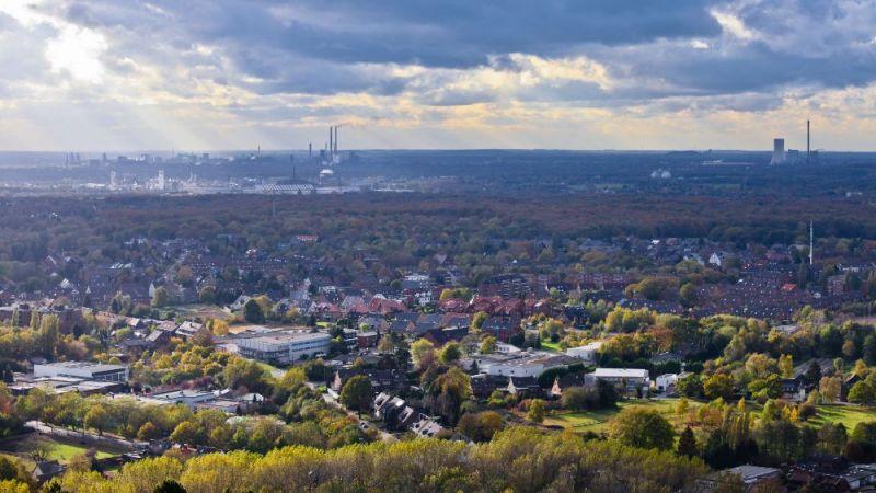 Im Oberhausener Stadtteil Tackenberg entwickeln Forschende des Fraunhofer–Instituts für Umwelt-, Sicherheits- und Energietechnik UMSICHT eine netzgebundene Energieversorgung mit Niedertemperatur-Wärmenetzen.