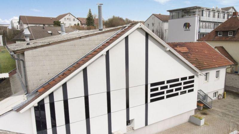Die Streifenkollektor-Elemente lassen sich flexibel gestalten und ausrichten und entsprechend in Fassaden integrieren.