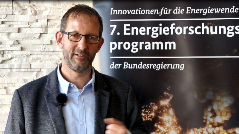 Andreas Overhage von der Energieversorgung Oberhausen AG erklärt im Interview, warum sich Stadtwerke heute neu aufstellen müssen.
