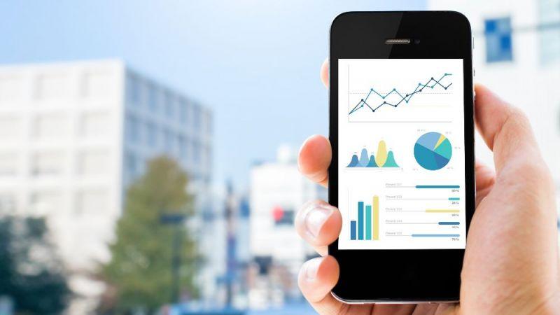 Smartphone mit geöffneter Anwendungssoftware