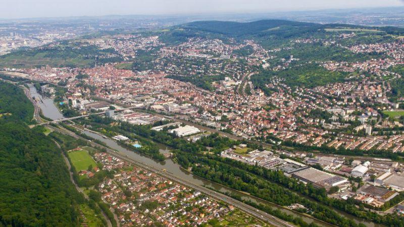 Luftbildaufnahme von Esslingen.