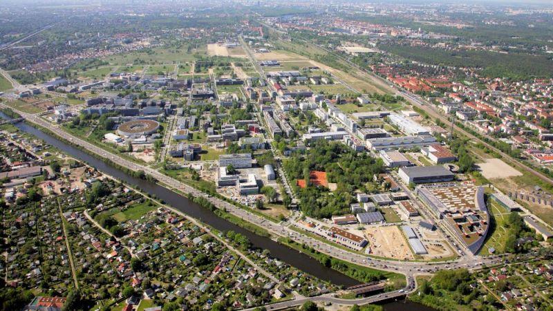 Luftbild des Standorts Adlershof im Mai 2013