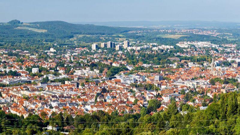 Luftbildaufnahme von Reutlingen in Stuttgart.
