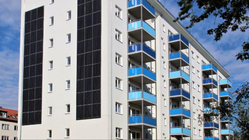 """Mit dem """"Zukunftshaus"""" im Berliner Stadtteil Lankwitz möchte die Wohnbaugesellschaft degewo zeigen, welche Gebäude- und Technikkonzepte sich für ein nahezu klimaneutrales, energieeffizientes Wohnen eignen."""