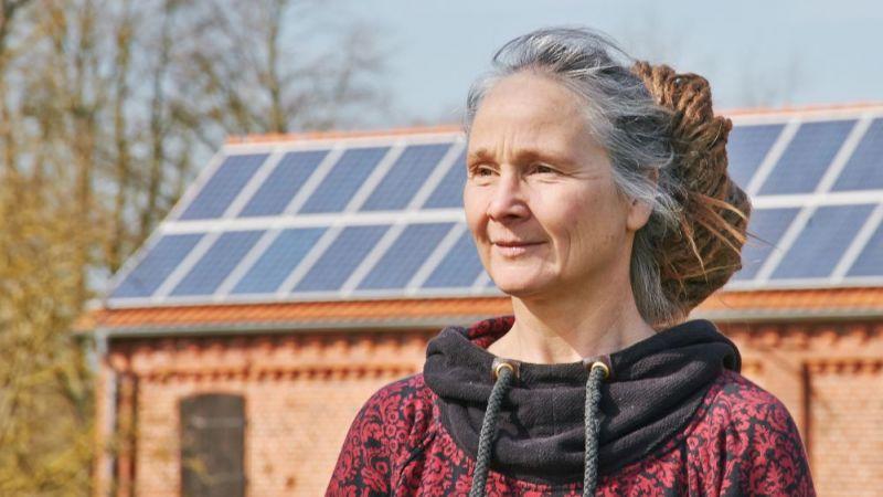 Berit Müller von der Deutschen Gesellschaft für Sonnenenergie koordiniert die neue wissenschaftliche Begleitforschung Energiewendebauen.