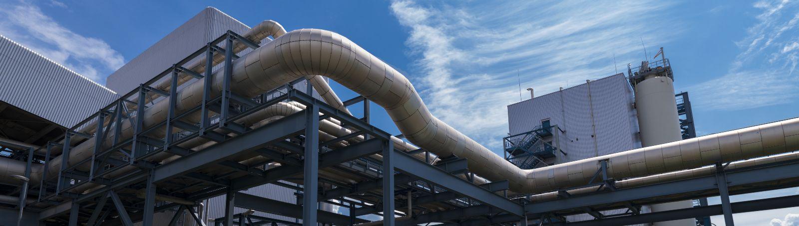 Viele Fernwärmenetze laufen heute noch auf hohen Temperaturen. Für den Betrieb mit erneuerbarer Wärme sind Niedertemperatur-Konzepte gefragt.