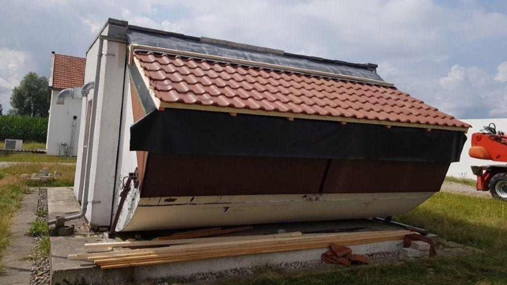 Ansicht des geschlossenen Versuchs-Daches mit fertiger Verlegung der Dachpallten.