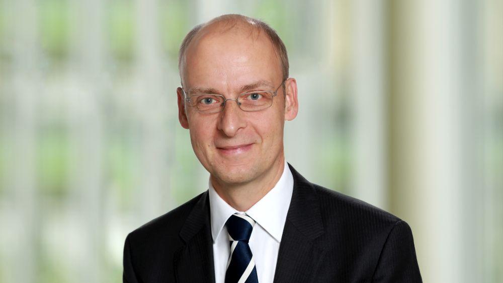 Tekn. Dr. Dietrich Schmidt ist Abteilungsleiter für Thermische Energiesystemtechnik beim Fraunhofer IEE.