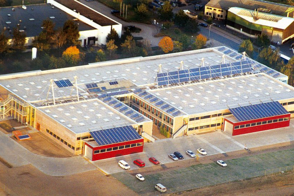 Der neue Solvis-Gebäudekomplex in einer Luftaufnahme