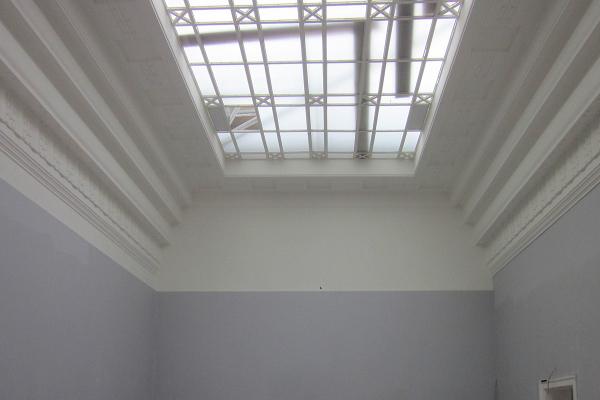 Die ursprünglichen Glasdecken wurden zwecks Reaktivierung der Tageslichtnutzung wiederhergestellt