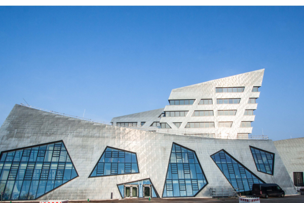 Das neue Zentralgebäude der Leuphana Universität in Lüneburg.