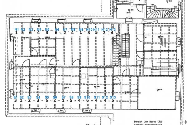 Lageplan der Deckenbalken mit zugehöriger Sanierungsvariante (schwarze Zahlen) und der Bezeichnung (blaue Beschriftung)