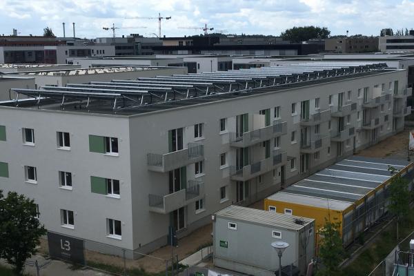 Eine der solarthermischen Anlagen, die das Quartier versorgen