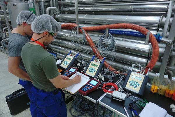 Messung an einer Pasteurisationsanlage für Fruchtsaftkonzentrate bei der ADM WILD Europe, Heidelberg.
