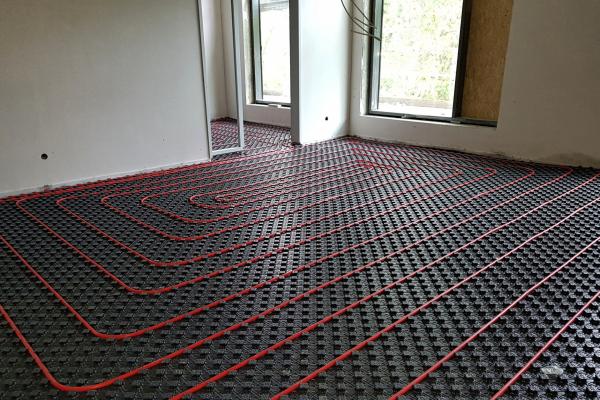 Alle Räume sind mit einer Fußbodenheizung/-kühlung ausgestattet
