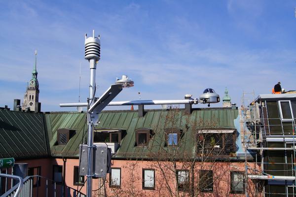 Wetterdaten werden von einer Wetterstation aufgezeichnet, die eigens für das Monitoring installiert wurde