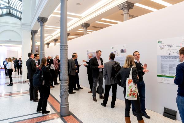 Bei der begleitenden Posterausstellung konnten sich Interessierte über einzelne Forschungsprojekte informieren.