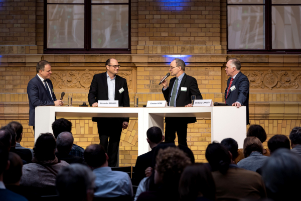 Professor Carsten Voss von der Bergischen Universität Wuppertal sprach unter anderem über den Wettbewerb
